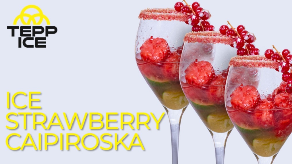 Ice Strawberry Caipiroska
